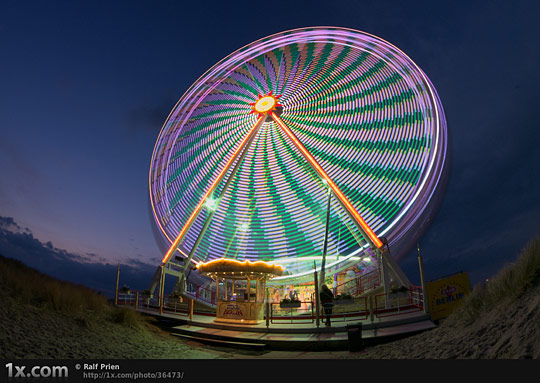 Ferris wheel on the beach II