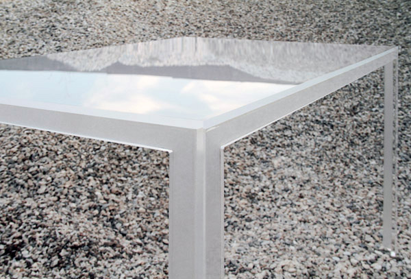 tABLE 4 Versatility shaped by distinct pieces: TAble by Elda Bellone