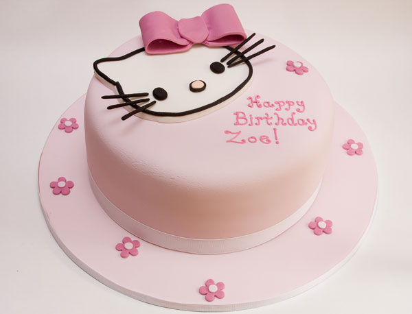 Hello Kitty with a pink fondant bow