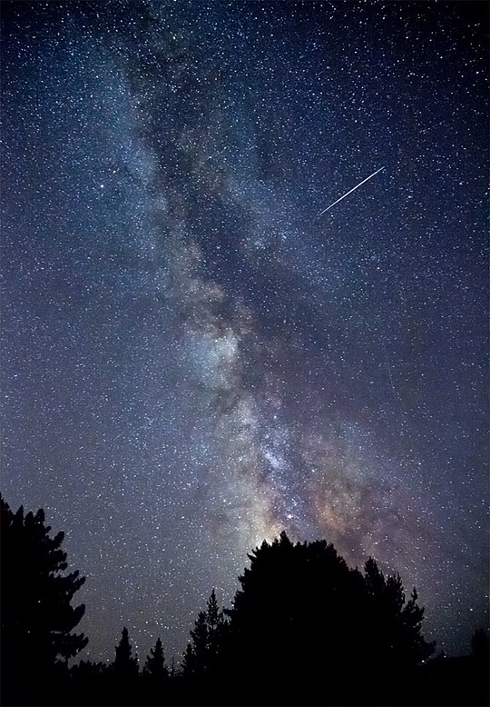 The Milky Way and Perseid meteor shower light up the night sky