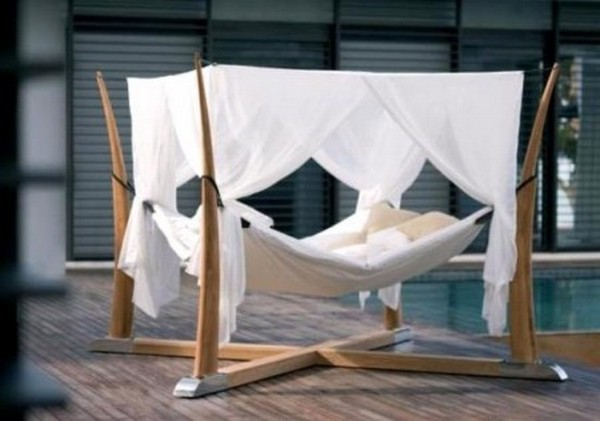 xOutdoor Bed For Relaxation With A Cocoon by Royal Botania 1 450x316.jpg.pagespeed.ic .N4YnFp3x J 30 Outdoor Canopy Beds Ideas for a Romantic Summer