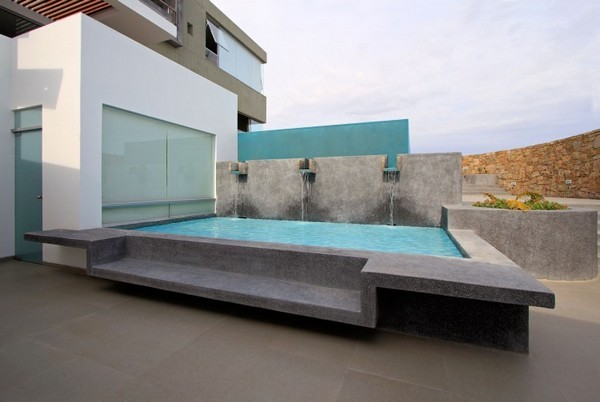 CC Beach House 00 1 750x503 38 Of The Most Spectacular Contemporary Pools Presented on Freshome [Part Two]