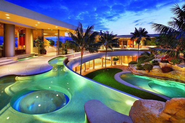 portabello estate mansion california cameo shores corona 008 38 Of The Most Spectacular Contemporary Pools Presented on Freshome [Part Two]