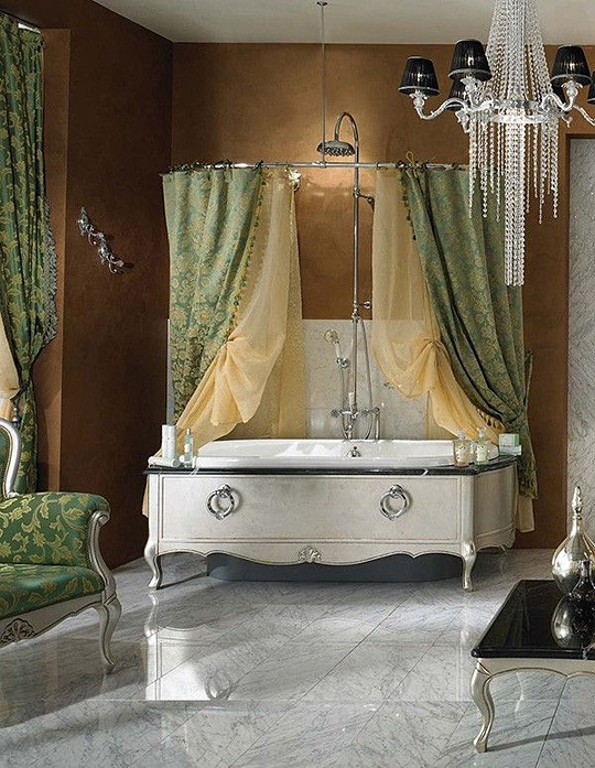 Dramatic, Opulent and Original Bathtubs