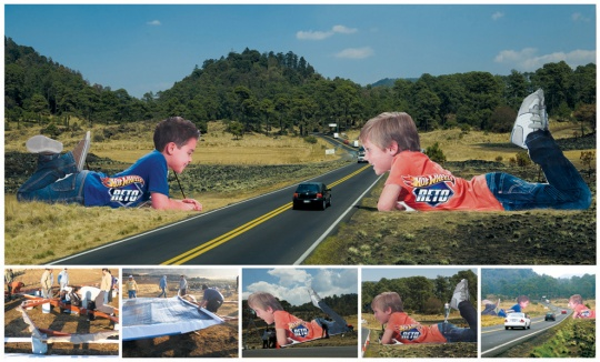 Hot Wheels: Child shaped structures on highway
