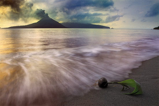 dazz Born In Krakatau Wonderland Landscape Photography Never Seen Before