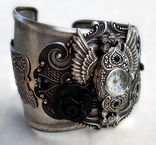 Steampunk - Gothic Cuff Watch1