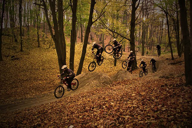 tabletop sequence  freeride by R3ND3RR 55 Amazing Examples of Sequence Photography