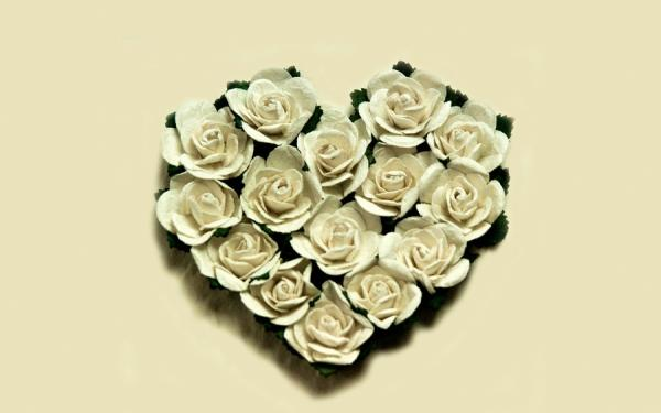 Simple Heart Of White Roses