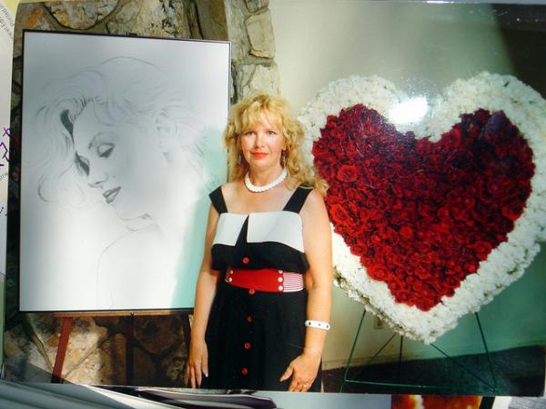 Big Heart Bouque Of Red Rose