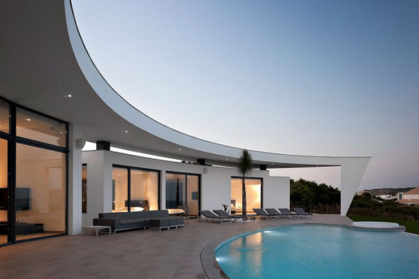 Colunata House 09 800x533 30 Poolside Terrace Ideas to Get Your Home Ready for the Summer