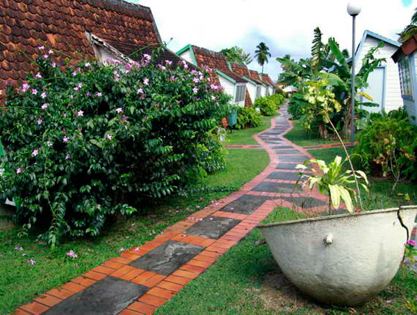 walkway 35 Lovely Pathways for a Well Organized Home and Garden