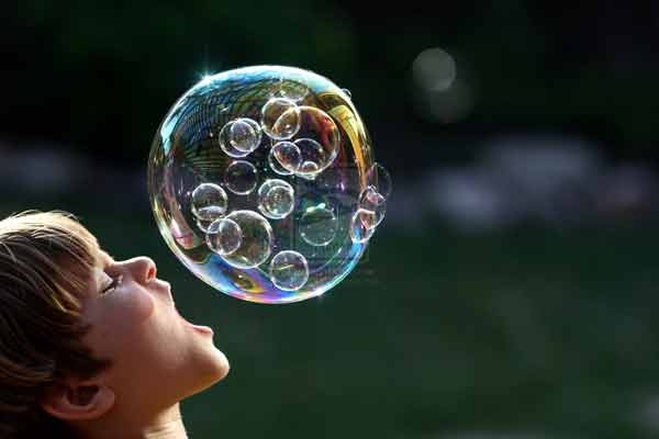 Can_you_swallow_this_bubble
