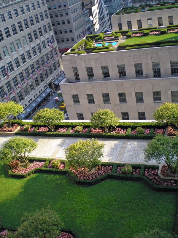 rooftop landscaping ideas 5 30 Rooftop Garden Design Ideas Adding Freshness to Your Urban Home