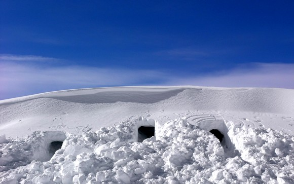 29 Snow Caves 1920 x 1200