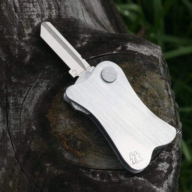 Creative product designs #47- Casper Automatic Key Fob by Switchkey