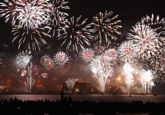 fireworks-all-over-the-world-UAE