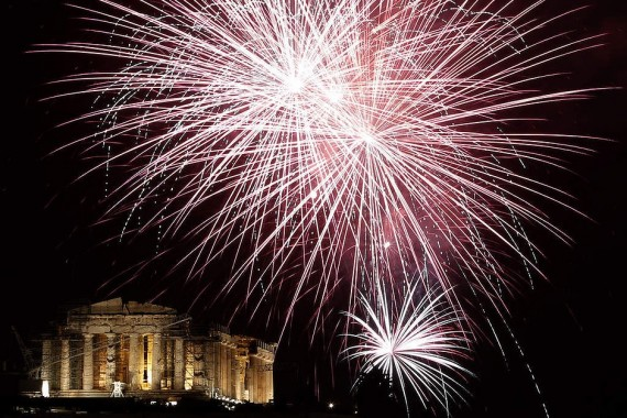 fireworks-all-over-the-world-greece