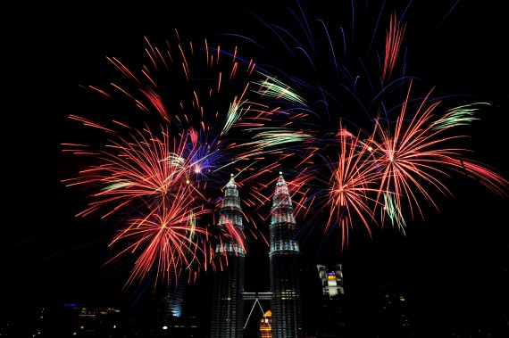 fireworks-all-over-the-world-malaysia