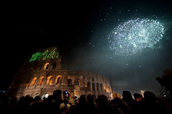 fireworks-all-over-the-world-rome