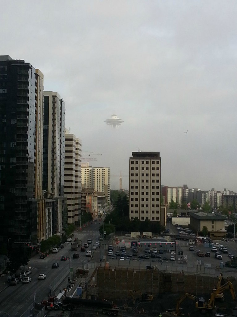 seattle fog space needle looks like ufo 767x1024