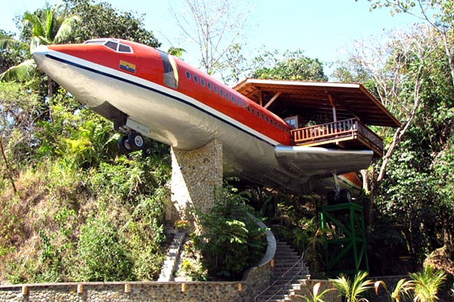boeing 747 treehouse in costa rica 12 Creative and Innovative Tree House Designs
