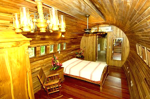 boeing 747 treehouse in costa rica4 12 Creative and Innovative Tree House Designs