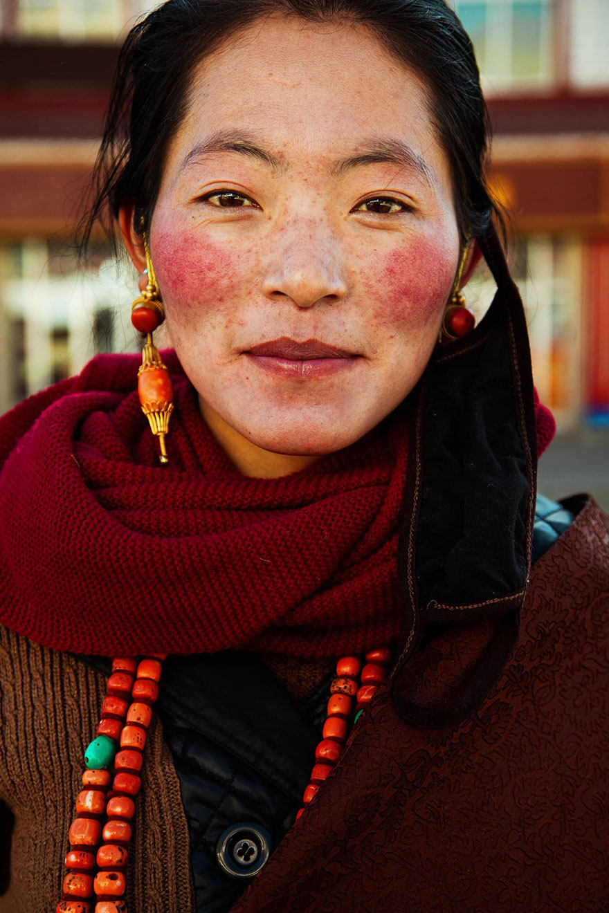 different-countries-women-portrait-photography-michaela-noroc-15-tibet-china