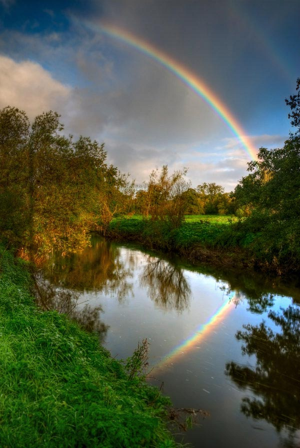 Gorgeous rainbow pictures reflections in the water