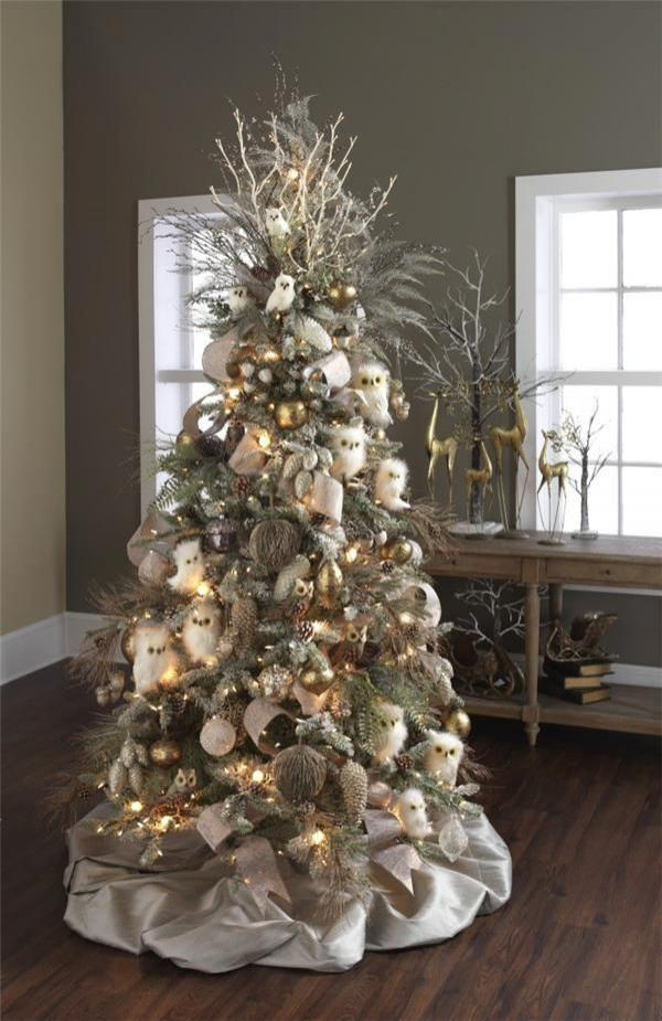 Gorgeous Christmas tree for lovers