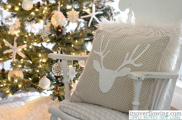 Rocking-Chair-Christmas-Home-Decor-ItsOverflowing