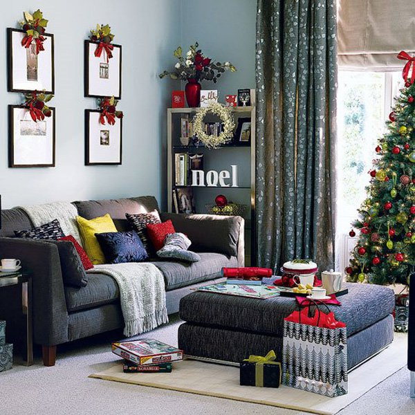 appealing-hgtv-xmas-decor-ideas-with-photos-on-wall-and-black-sofa-also-square-table