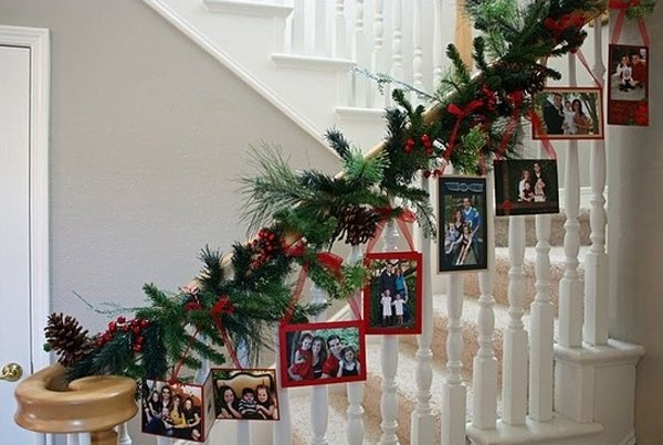 beautiful christmas decoration for stairs